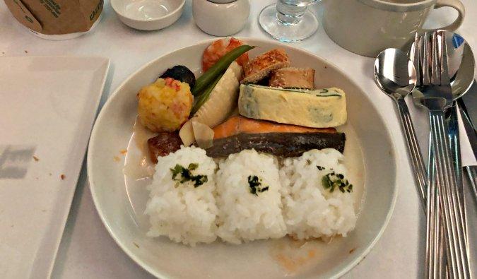 breakfast onboard the Dreamliner