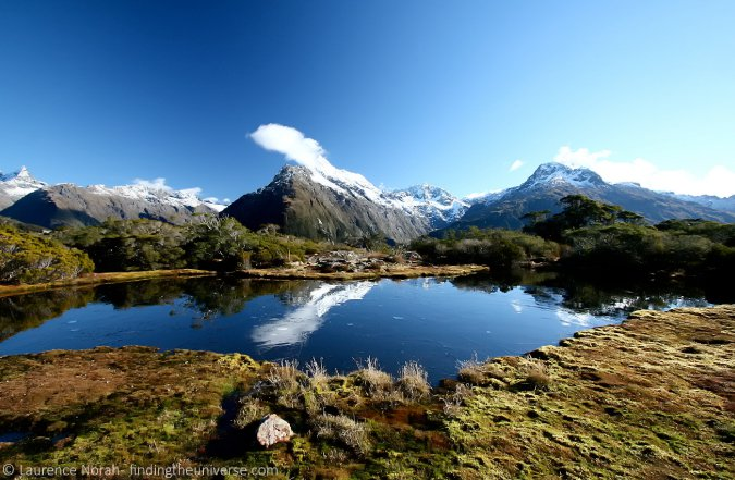 Stunning travel photo of a mountain range in New Zealand