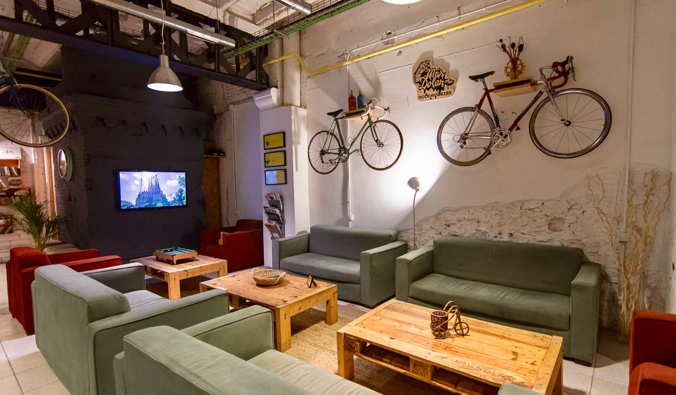 The common area of Beds and Bikes hostel in Barcelona, Spain