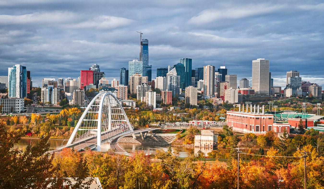 The skyline of Edmonton, Alberta, Canada during autumn